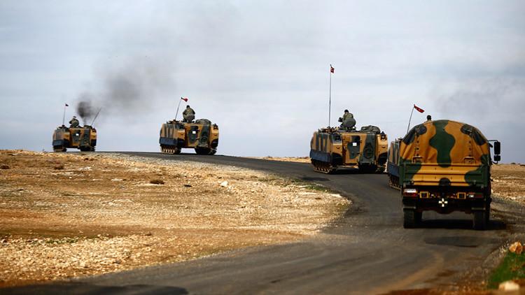 Turquía envía sus unidades acorazadas a la frontera con Irak