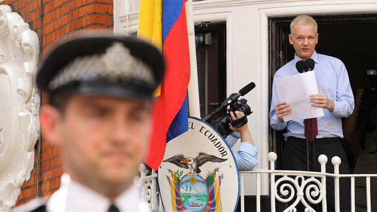 Los tuits con códigos publicados por WikiLeaks desatan los rumores sobre la muerte de Assange
