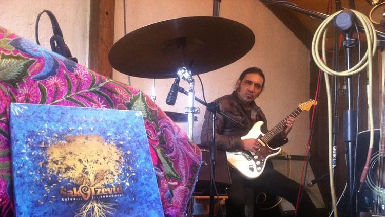"""Sak Tzevul y su """"rock verdadero"""": Música maya para curar México"""