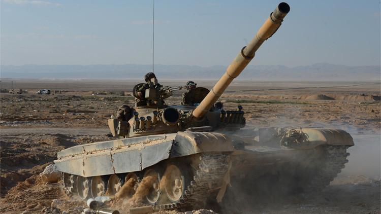 Video: Un tanque sirio evita ser alcanzado por dos impactos seguidos de misiles estadounidenses TOW