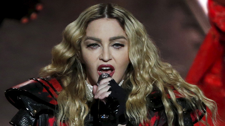 Madonna promete felaciones a quienes voten por Hillary Clinton (Video)