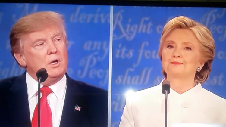 """Video: ¿Clinton le dijo """"fuck you"""" a Trump en el último debate?"""