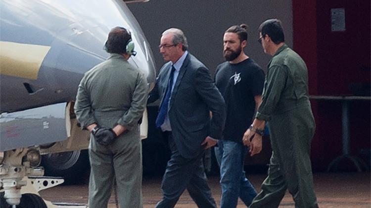 FOTOS: El policía 'hípster' que detuvo a Eduardo Cunha causa furor en Internet