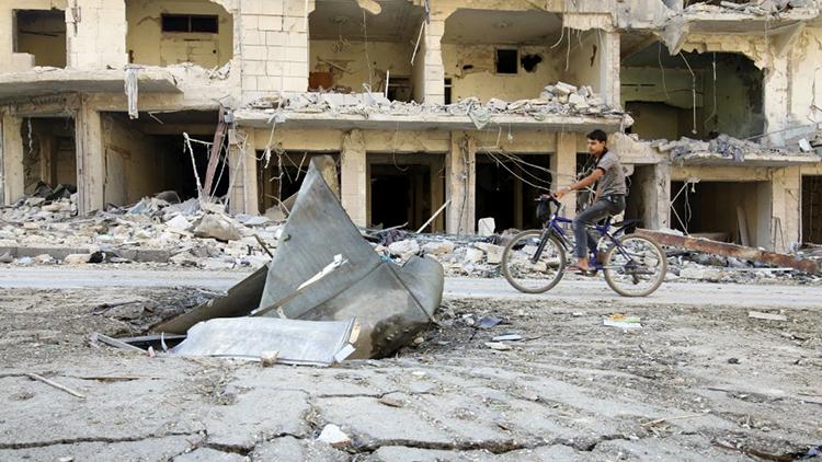 """EE.UU. estudia suministrar armas a los rebeldes sirios """"para protegerlos de Rusia"""""""