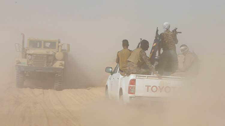 Ataque frustrado: El EI intenta destruir vehículos militares iraquíes con un camión suicida