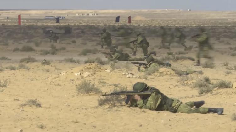 IMPRESIONANTE VIDEO: Primeras imágenes de los entrenamientos de paracaidistas rusos en Egipto