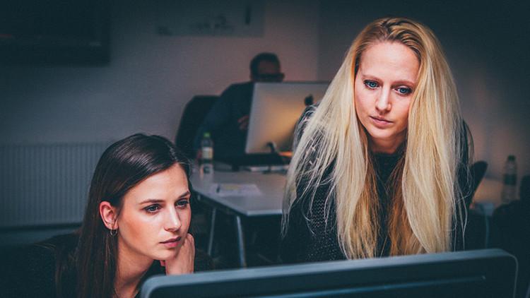 Se necesitan profesionales: si sabe de 'framework' no le faltará trabajo, si no vea otras 9 opciones