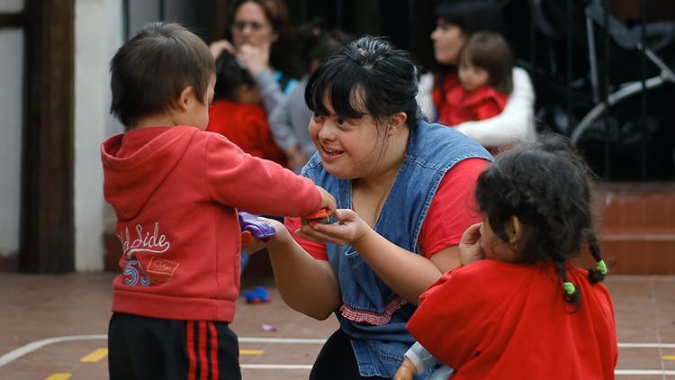 La increíble historia de la maestra argentina con síndrome de Down