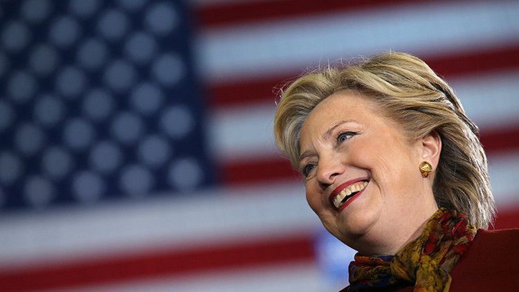 """Filtración de WikiLeaks: Clinton """"no está bien de la cabeza"""", según su asesora"""