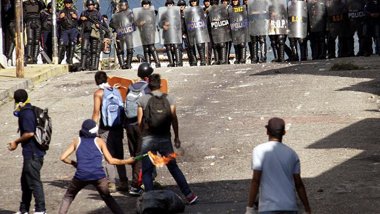 Entre el diálogo y la beligerancia: Derecha venezolana marchará este miércoles contra Maduro