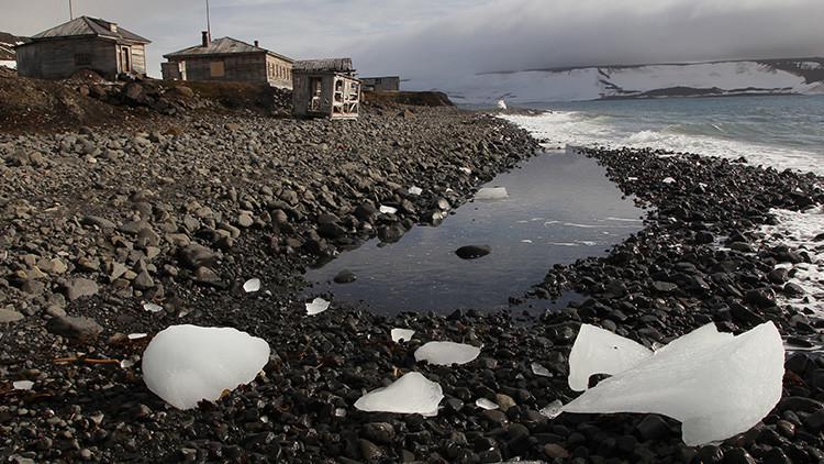 Encuentran más de 600 objetos de la base secreta nazi descubierta en el Ártico ruso