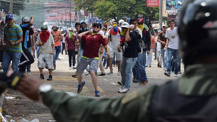¿Y ahora qué? Oposición venezolana patea la mesa de diálogo con el gobierno