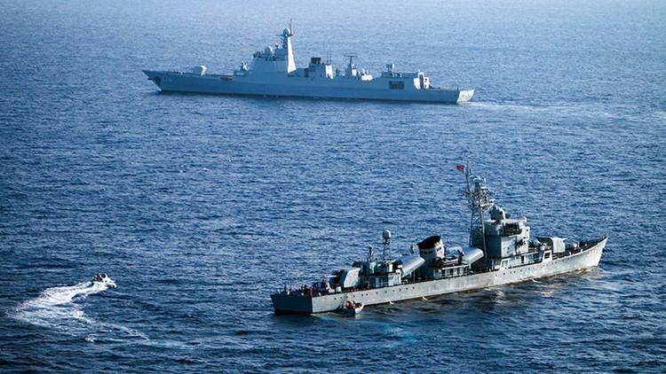 China responde con unas maniobras por sorpresa a la incursión de un destructor de EE.UU.