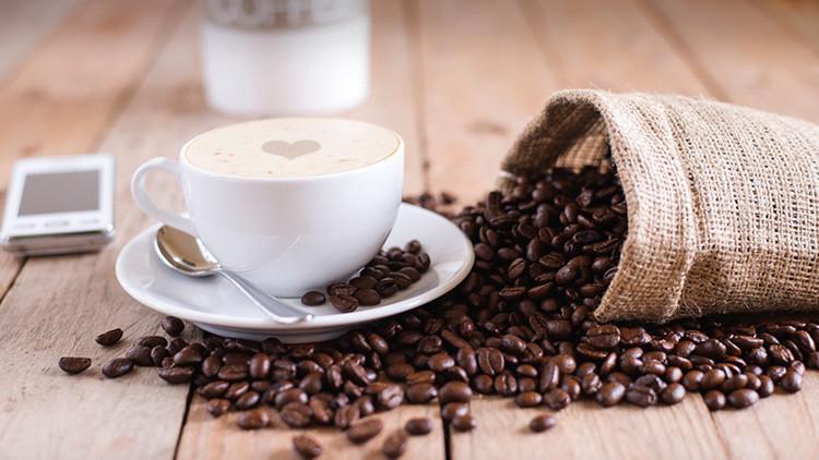 ¿Por qué las personas reaccionan de forma diferente al tomar café?