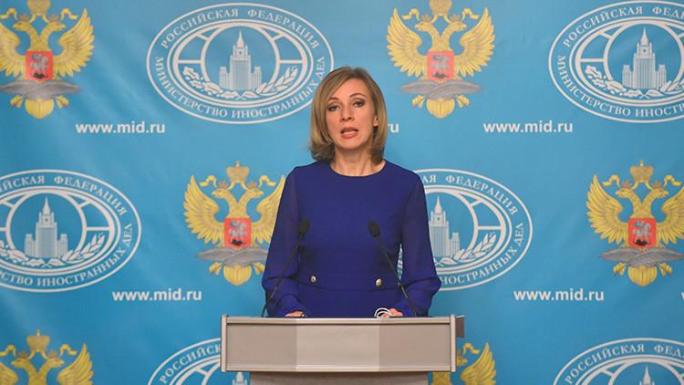 María Zajárova dedica a la representante de EE.UU. en la ONU una imagen con atrocidades del EI