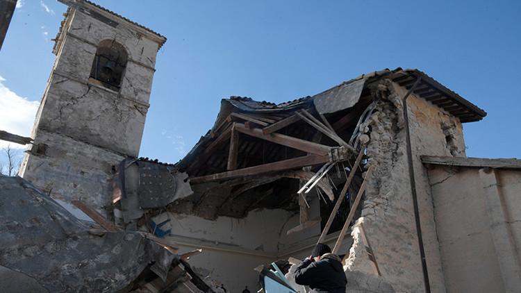 Video demoledor: Una iglesia del siglo XII colapsa tras dos terremotos en Italia