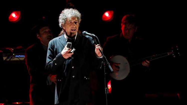 """""""Me dejó sin palabras"""": Bob Dylan se pronuncia sobre su Premio Nobel de Literatura"""
