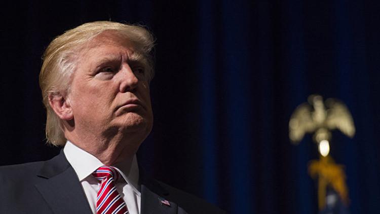 """Trump: Los nuevos correos de Clinton esconden un """"delito atroz"""""""