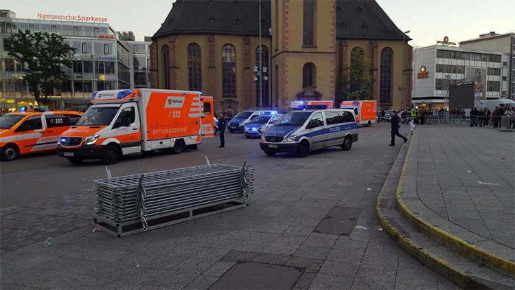 Cuatro personas son heridas con arma blanca en una estación de tren en Fráncfort (fotos, video)