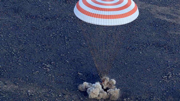 Video: La nave rusa Soyuz MS con la Expedición 49 regresa a la Tierra tras desacoplarse de la EEI