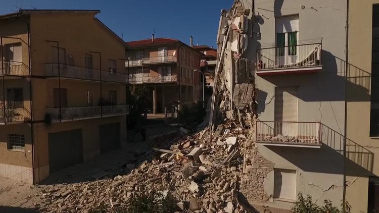 La destrucción que dejó el terremoto en Italia vista desde un dron (VIDEO)
