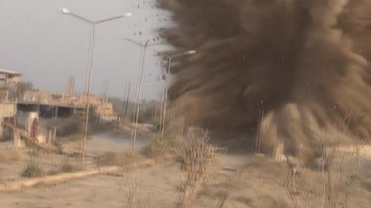 Video: Zapadores del Ejército sirio vuelan una 'sede' del Estado Islámico