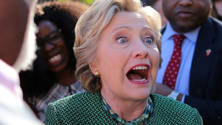 El FBI, autorizado a revisar 650.000 correos electrónicos de una ayudante de Clinton