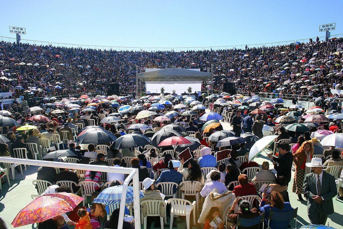 Asamblea Nacional de los Testigos de Jehová de Paraguay, en el Estadio del Bicentenario Nacional de Ypacaraí.