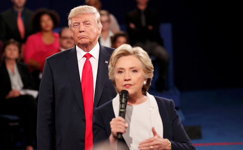 Hillary Clinton y Donald Trump durante el debate electoral