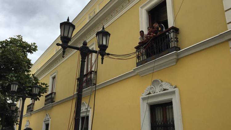 Los alrededores de la Casa Amarilla, sede protocolar de la cancillería, permanecieron restringidos desde la tarde