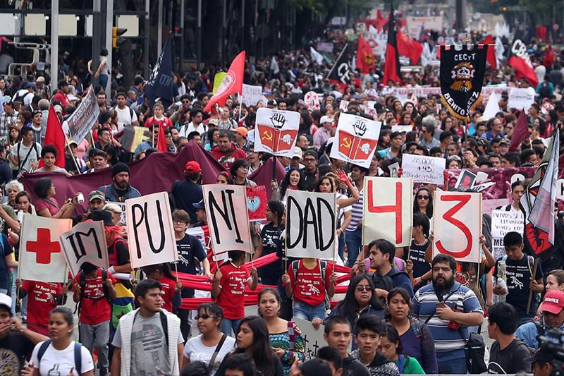 Protesta por la impunidad en el caso de los estudiantes de Ayotzinapa