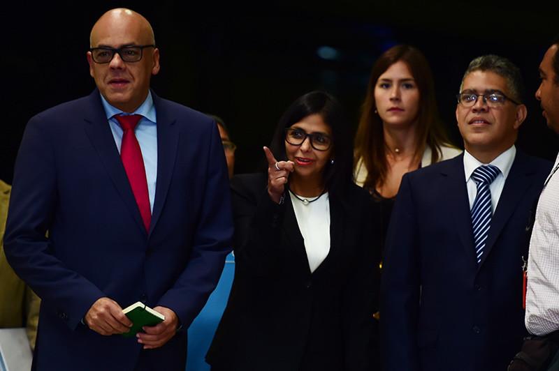 Arranca el diálogo en Venezuela: Gobierno y oposición se sientan para aplacar tensiones