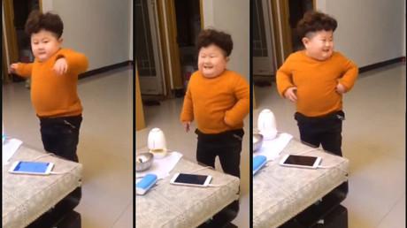 Un 'mini Kim Jong-un' causa furor en las redes sociales con este pegadizo baile