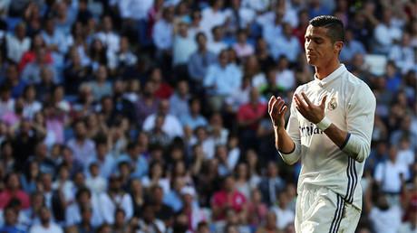 Cristiano Ronaldo durante un partido con el Real Madrid en el estadio Santiago Bernabeu, Madrid (España)