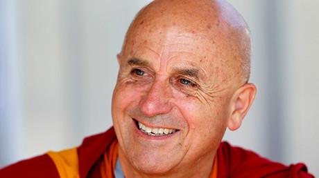 El monje budista Matthieu Ricard en el foro del Movimiento de Empresas de Francia (MEDEF) en Jouy-en-Josas en las inmediaciones de París (Francia), el 2 de septiembre de 2011.