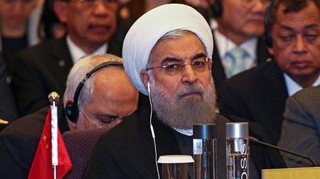 El presidente de Irán, Hasán Rohaní, asiste a una reunión durante la Cumbre del Diálogo de Cooperación de Asia (ACD) en el Ministerio de Asuntos Exteriores de Bangkok, Tailandia, el 10 de Octubre de 2016