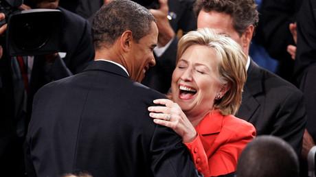 El presidente de EE.UU., Barack Obama, junto con la ex secretaria de Estado, Hillary Clinton