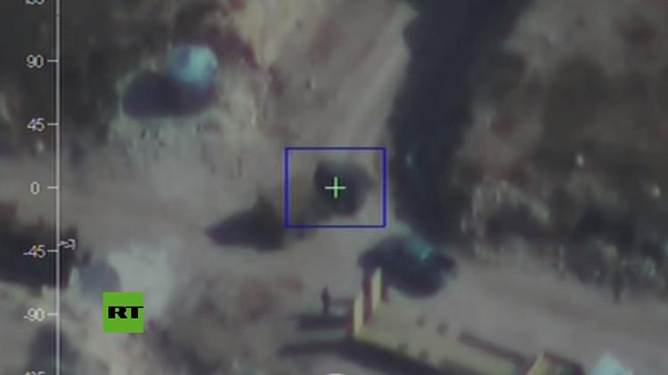 VIDEO: Un dron filma el equipo militar y los túneles usados por los terroristas en Alepo