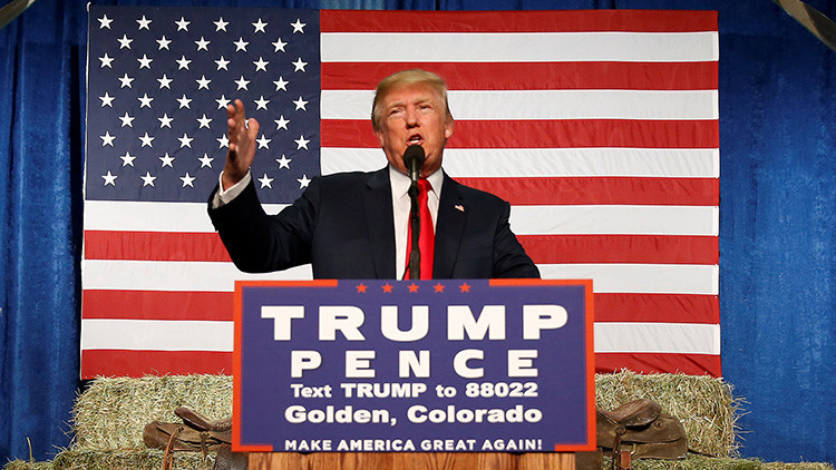 Trump supera a Clinton en las encuestas a una semana de las elecciones de EE.UU.