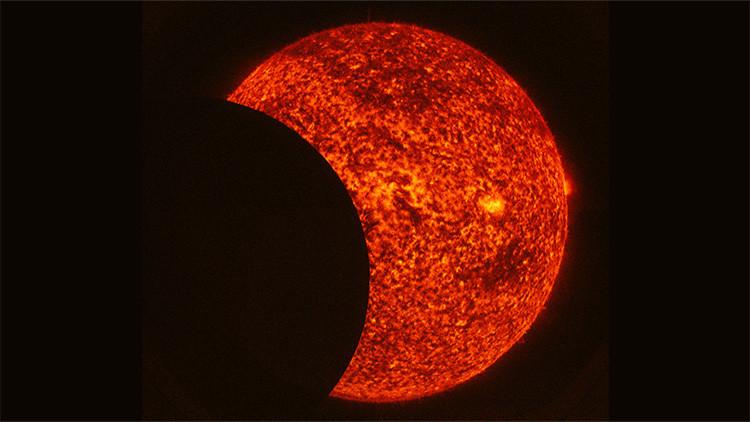 La NASA publica una imagen animada de un eclipse parcial de Sol