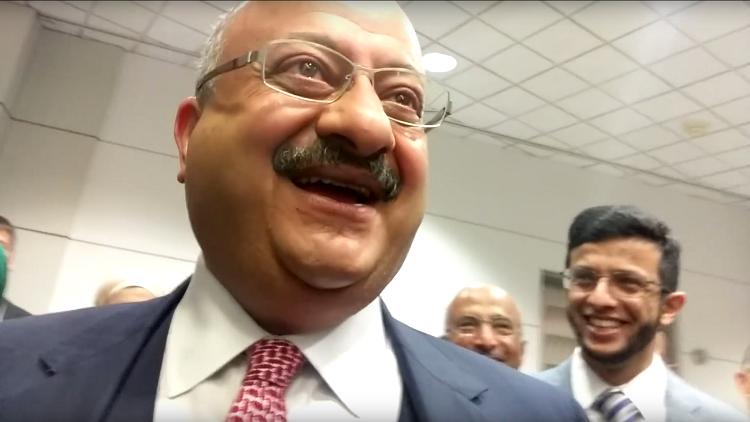 El embajador saudí en EE.UU. compara bombardear Yemen con golpear a una esposa (VIDEO)