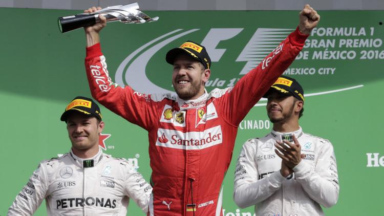 """El piloto alemán Vettel manda """"a la mierda"""" al director de carrera de la Fórmula 1 en vivo"""
