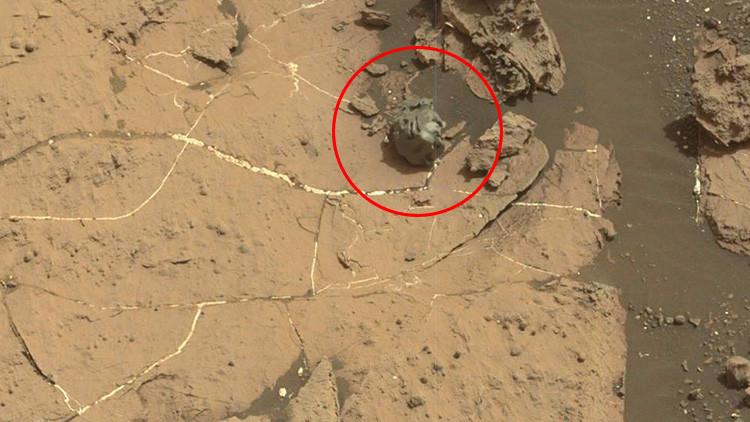 Fotos: El Curiosity se dirige hacia un extraño meteorito metálico descubierto en Marte