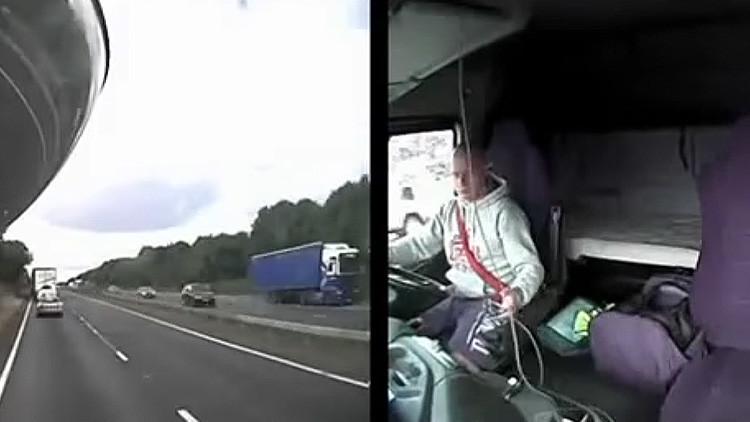 FUERTE VIDEO: Un camionero arrolla mortalmente a una madre y sus tres hijos por mirar su celular