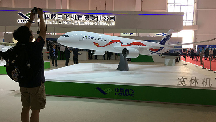 Rusia y China presentan su alternativa a Airbus y Boeing