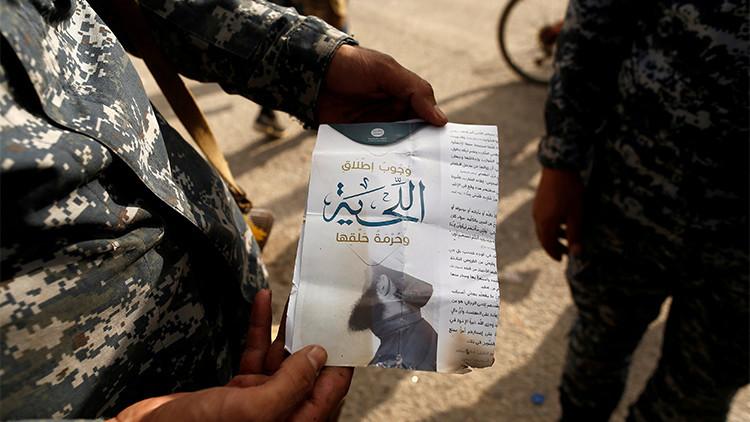 """""""Puedes disfrutar de las niñas de 10 años"""": Documentos revelan las 'normas' del Estado Islámico"""