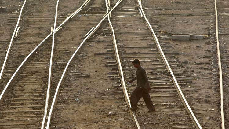 Chocan trenes en Pakistán; hay al menos 21 muertos y 50 heridos