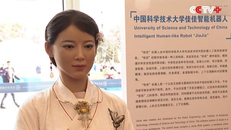 Video: La atractiva 'robot diosa' que no distinguirá de una mujer real