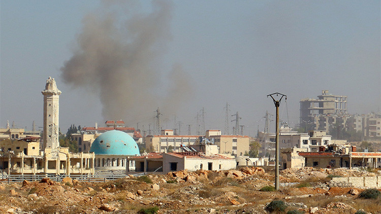 Los rebeldes sirios atacan una ruta de evacuación en Alepo