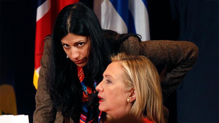 Las peligrosas relaciones de la 'mini Hillary': ¿Quién es la mano derecha de Clinton?